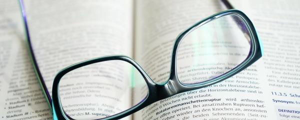 glasses-272403_1920-600x240